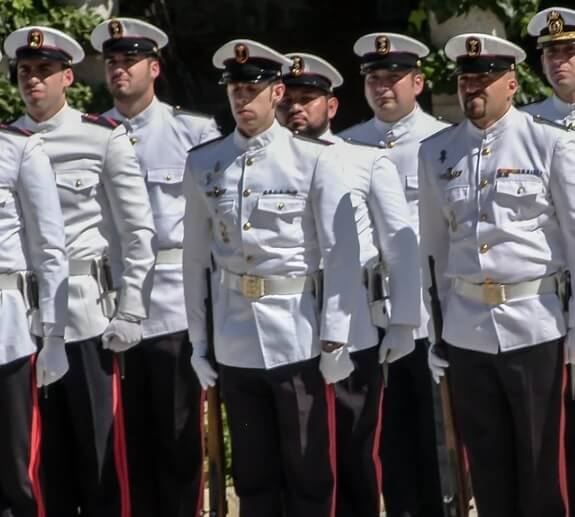 Educación militar